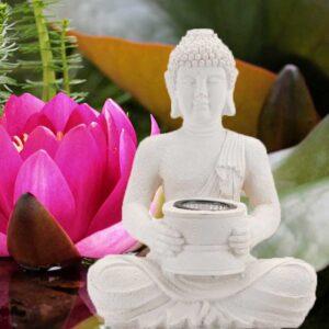 Napelemes Buddha szobor